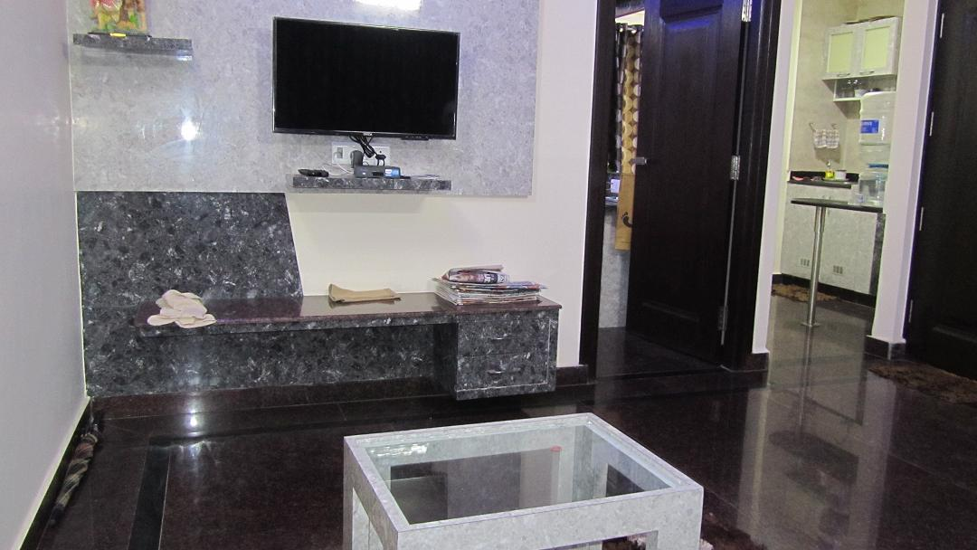 BRAND NEW EXECUTIVE FULLY FURNISHED 1 BHK FOR RENT @ KORAMANGALA 8th BLOCK