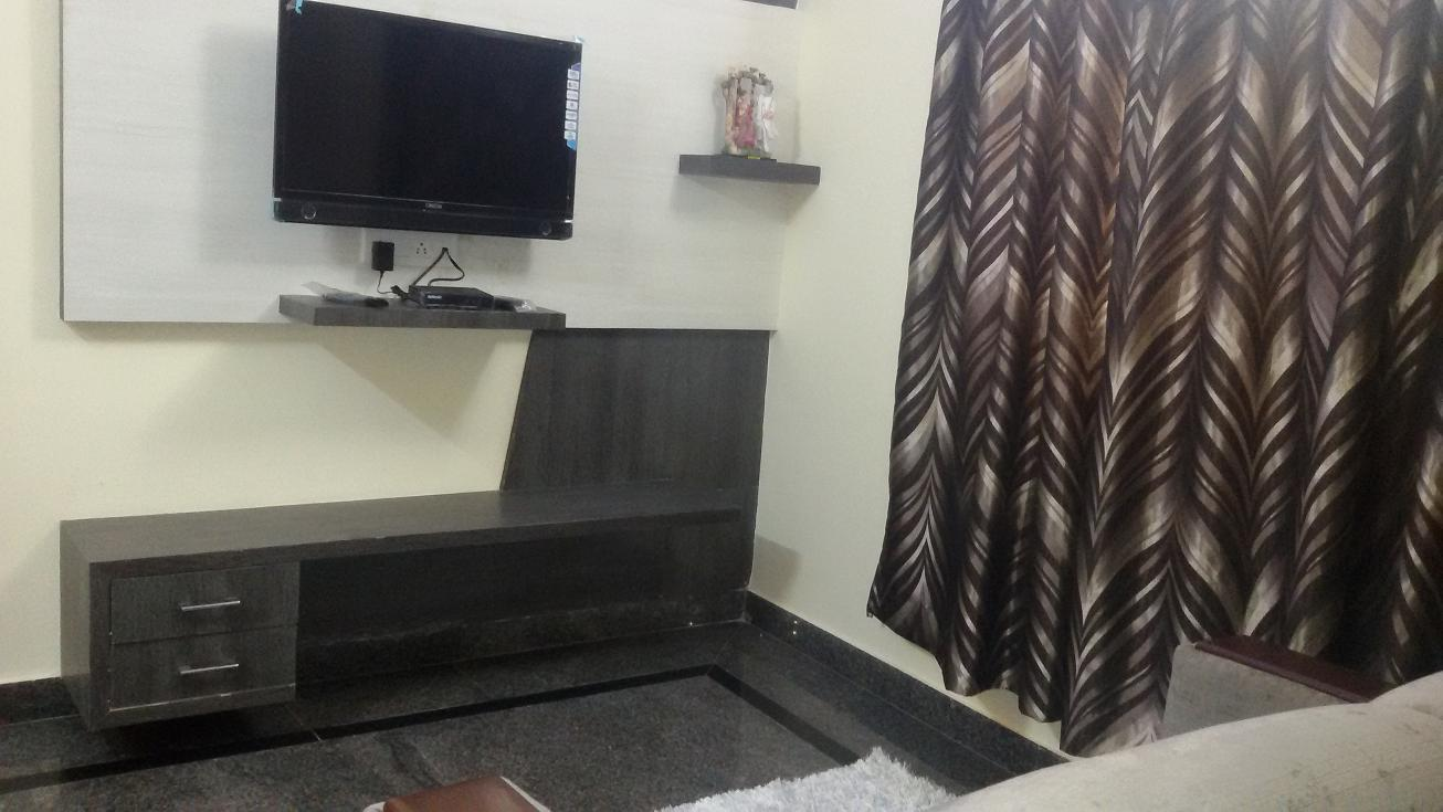 1 BHK FULLY FURNISHED EXECUTIVE FLAT FOR RENT @ KORAMANGALA 8th BLOCK CLOSE TO FORUM MALL.